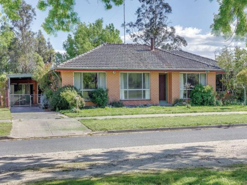 207 High Street, Learmonth, Vic 3352
