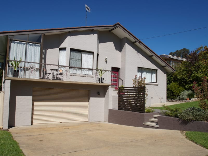 6 Yallambee Avenue, Armidale, NSW 2350