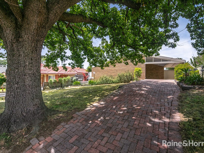 33 VAUGHAN STREET, Sunbury, Vic 3429