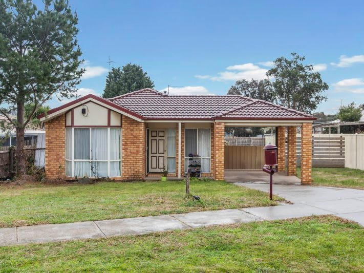 15 Mylson Avenue, Broadford, Vic 3658