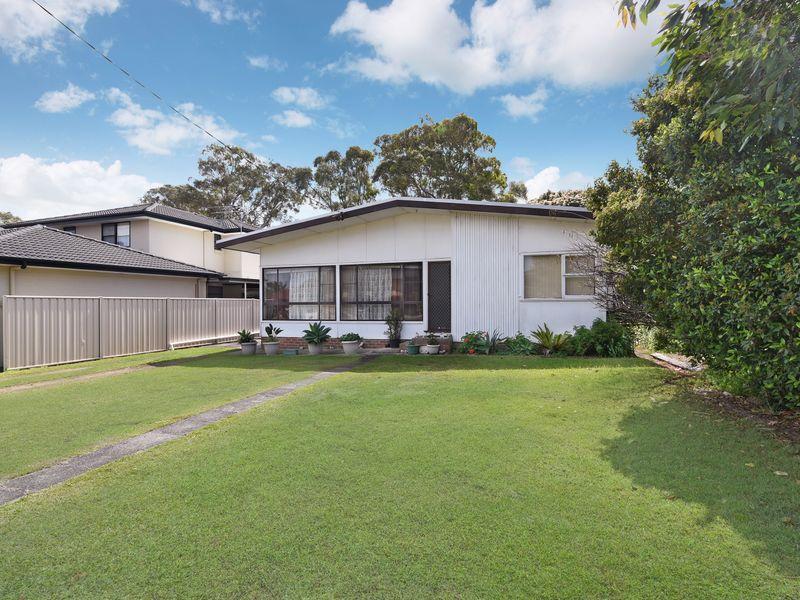 32 Eighth Avenue, Toukley, NSW 2263