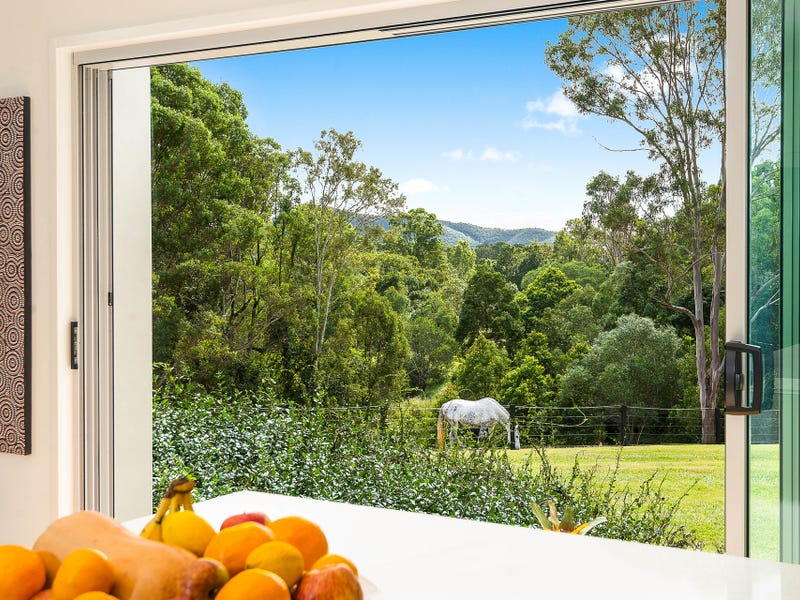 302 Upper Camp Mountain Road, Camp Mountain, Qld 4520