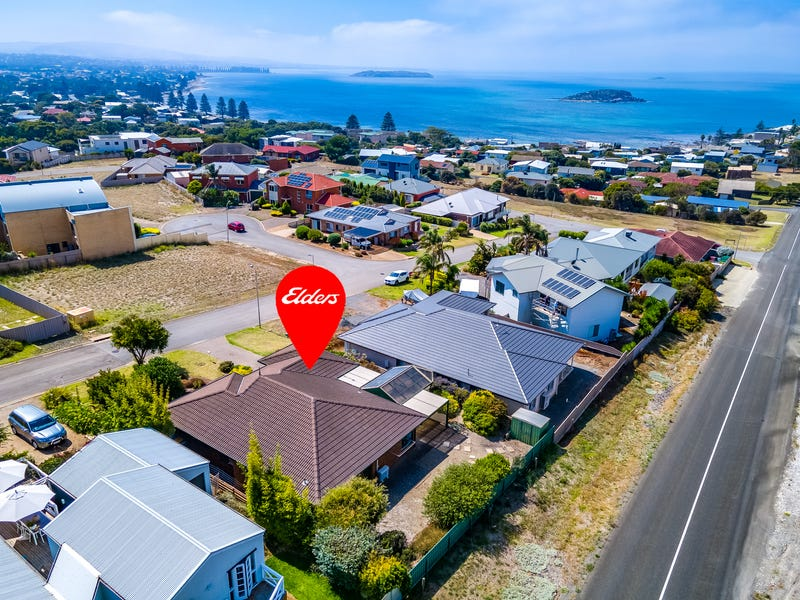 11 MINNAMOORA COURT, Encounter Bay, SA 5211