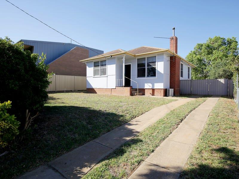 14 Doyle Street, Mount Austin, NSW 2650
