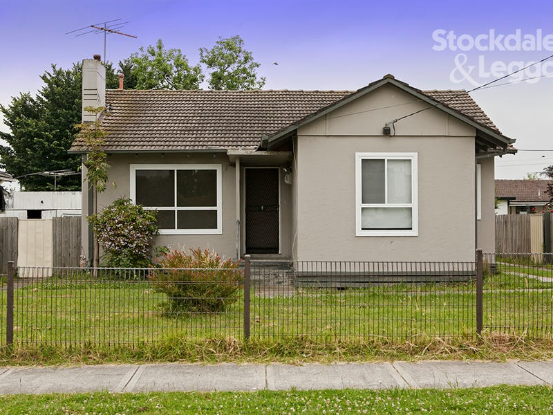 17 Oak Avenue, Doveton, Vic 3177