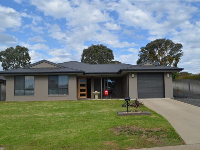 45 Jeffery Circuit, Tumut, NSW 2720