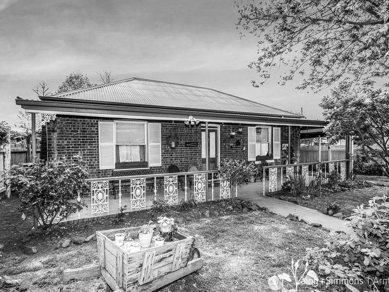 144 Allingham Street, Armidale, NSW 2350