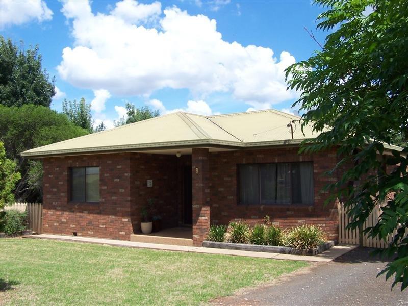 8 Ulomogo Street, Brocklehurst, NSW 2830