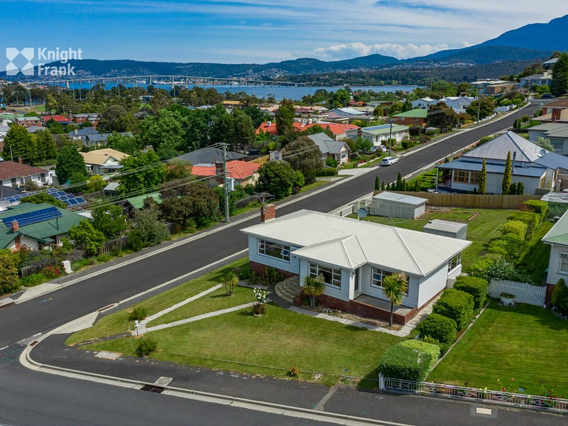 46 Wellington Road, Lindisfarne, Tas 7015