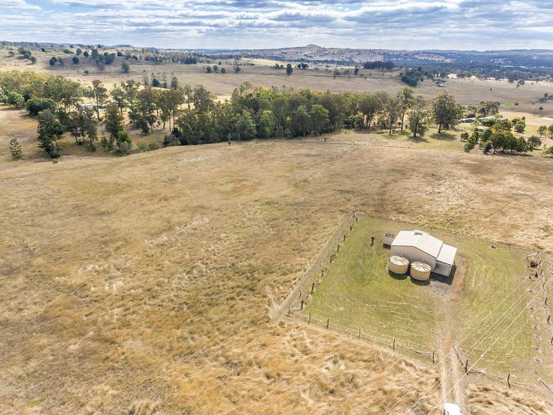 7774  New England Highway, Crows Nest, Qld 4355