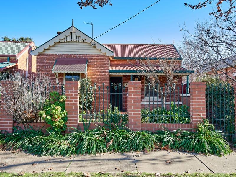 14 McKinnon Street, Wagga Wagga, NSW 2650