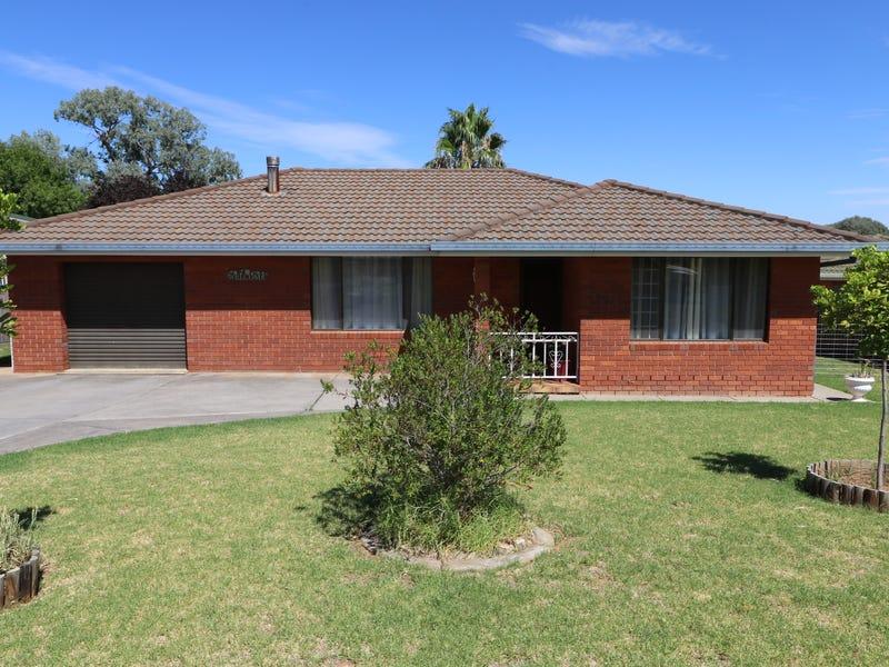 28 Taronga Drive, Cowra, NSW 2794