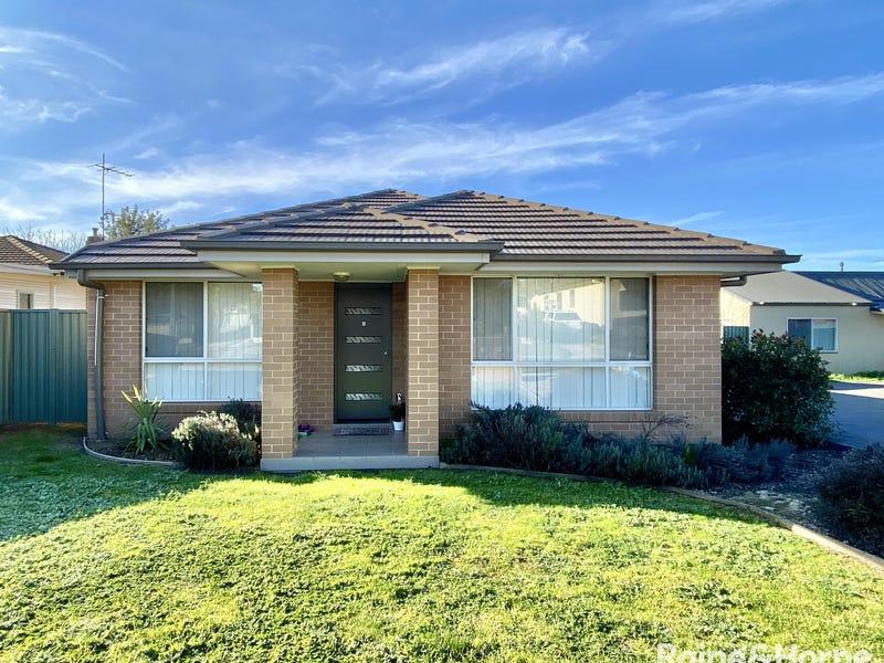1/13 Miro Street, Young, NSW 2594