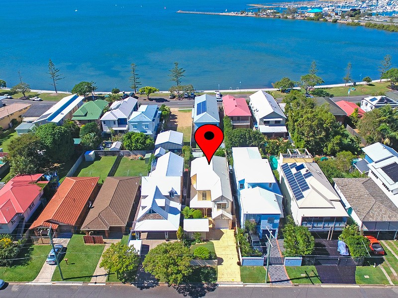 42 Stewart Parade, Manly, Qld 4179