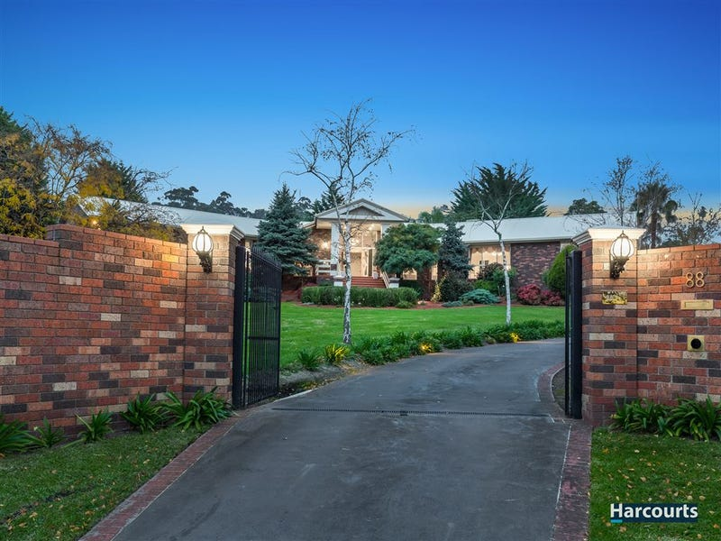 88 Major Crescent, Lysterfield, Vic 3156