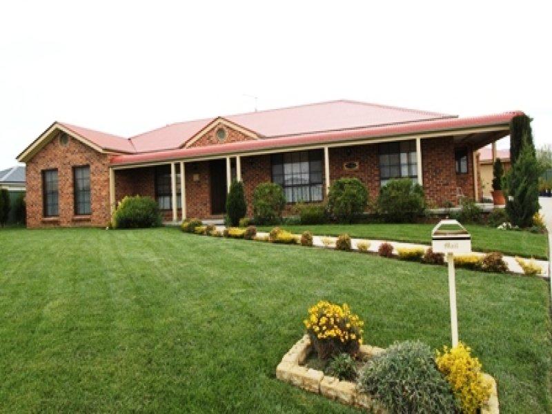 11 Fuller Retreat, Kelso, NSW 2795