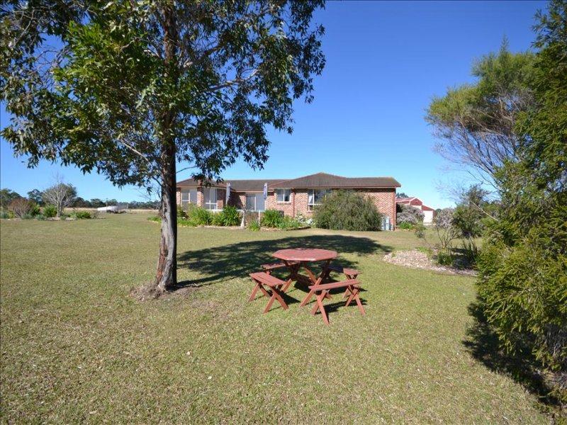 112 Tea Tree Lane, Nowra Hill, NSW 2540