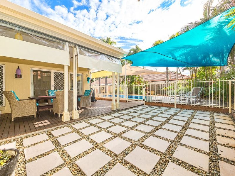 64 Voyagers Dr, Banksia Beach, Qld 4507
