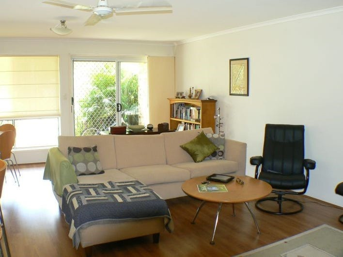 2/7 Lerner street, Pacific Paradise, Qld 4564