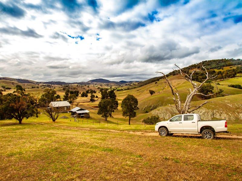 848 Sawyers Gully Road, Cavan, NSW 2582