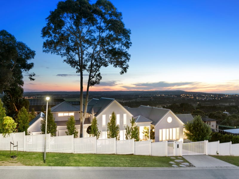 3 Manna Hill Court, Mount Eliza, Vic 3930