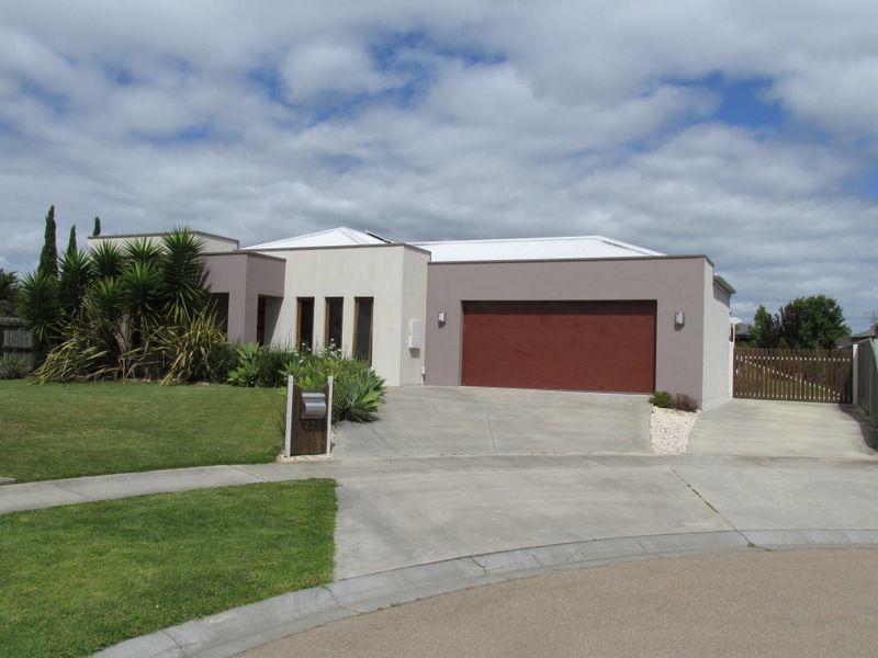 22 Kooralbyn Court, Eastwood, Vic 3875