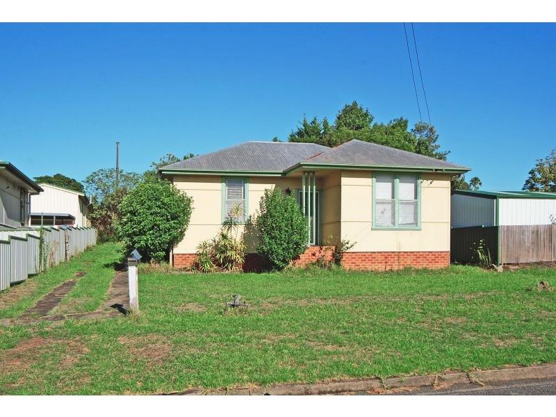 1 Burr Avenue, Nowra, NSW 2541