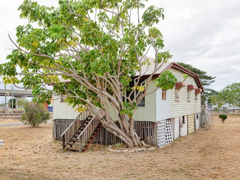 112 AUCKLAND STREET, Gladstone Central, Qld 4680