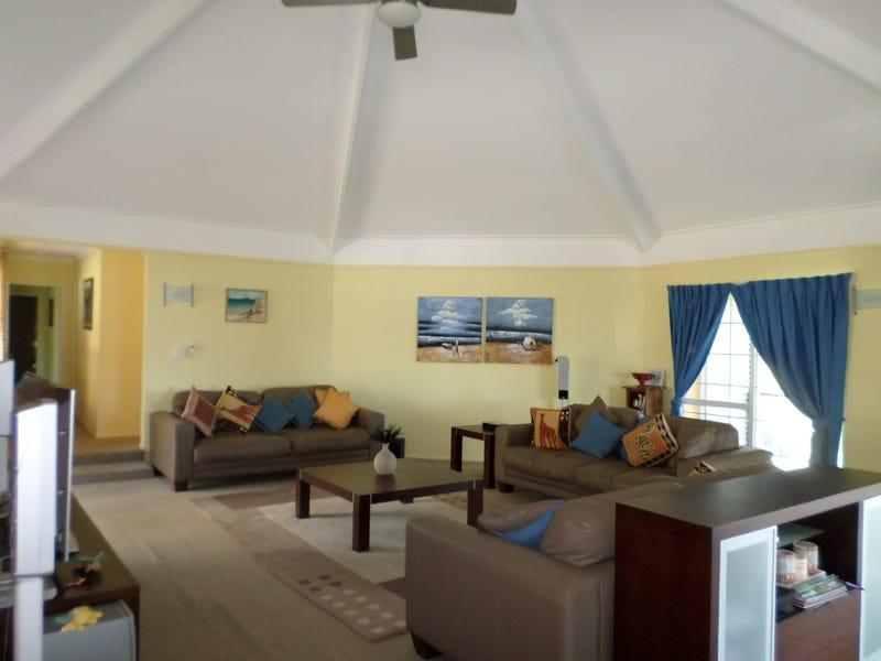 76 Beelong St, Macleay Island