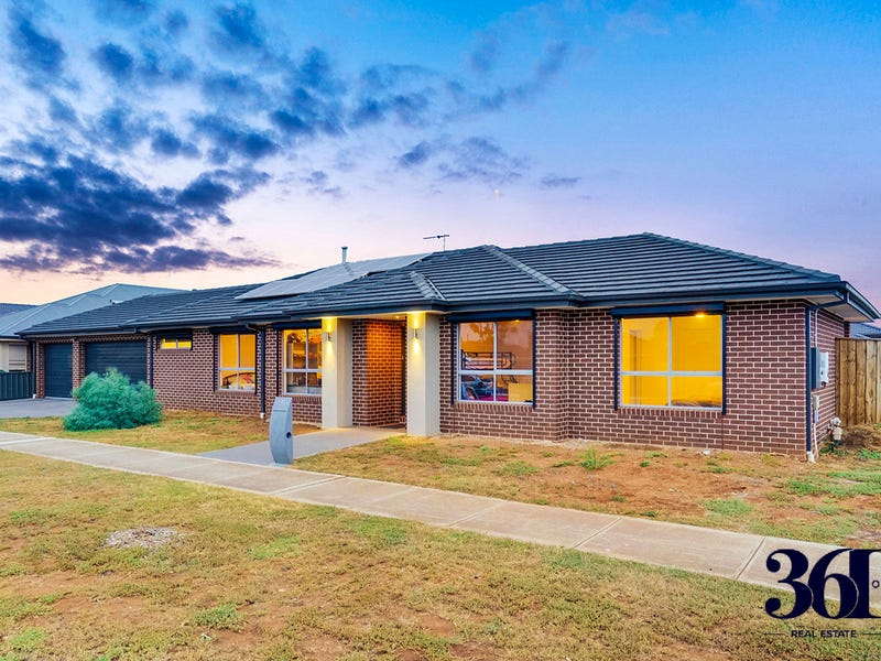 1 STOCKWELL ST, Melton South, Vic 3338