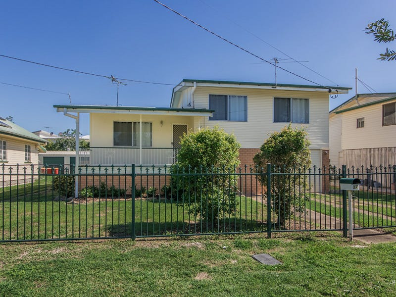 27 Selwyn Street, North Booval, Qld 4304