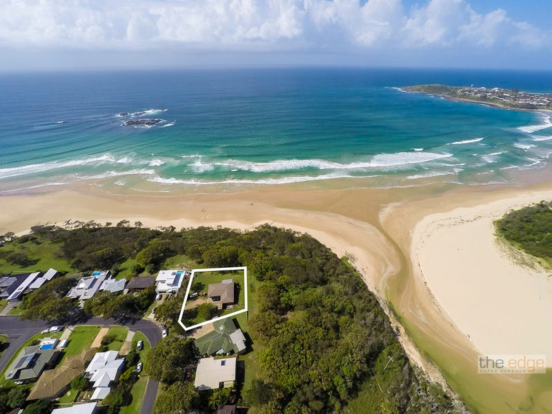 2 Ocean Drive, Safety Beach, NSW 2456