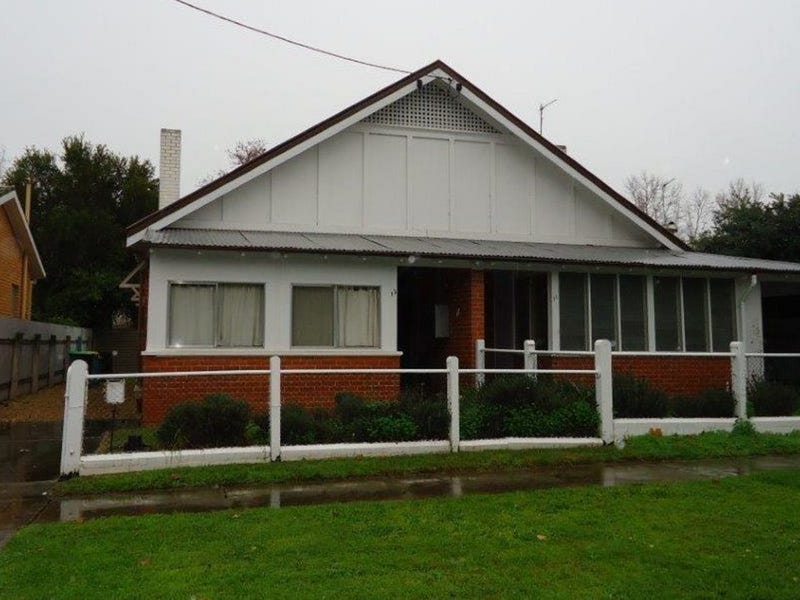 13 Freer Street, Wagga Wagga, NSW 2650