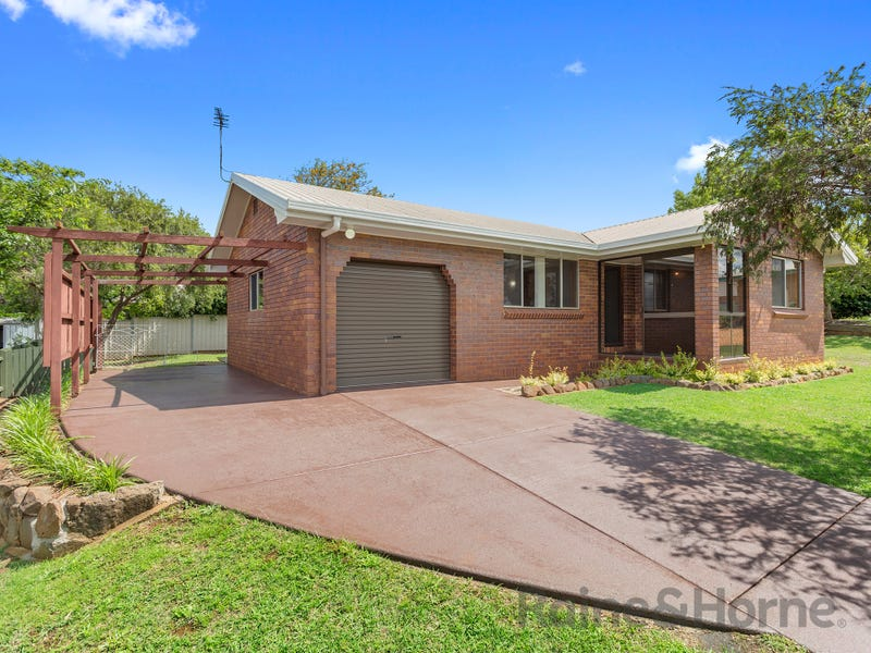 32 Kratzmann Court, Kearneys Spring, Qld 4350