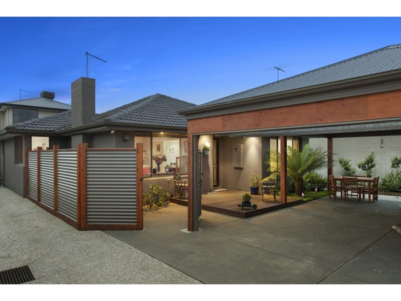 1/3 Adelaide Street, Mornington, Vic 3931