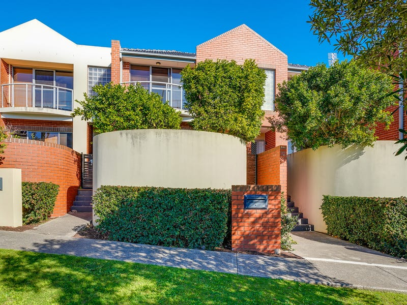 2/1A Parry Street, Cooks Hill, NSW 2300