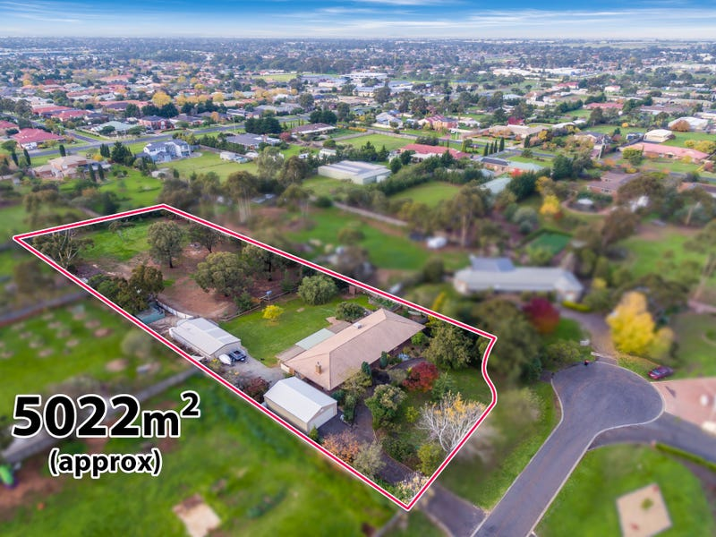 1 Flowervale Place, Brookfield, Vic 3338