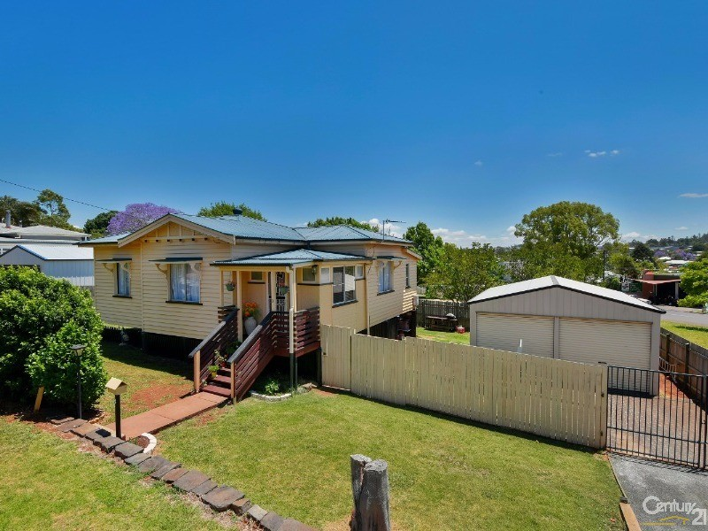 3 Christmas Street, North Toowoomba, Qld 4350
