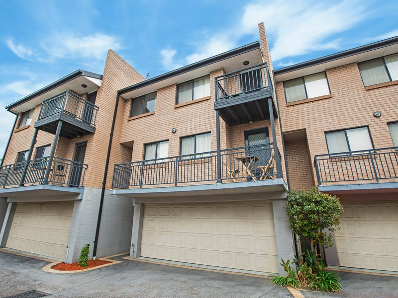 2/6-8 Melinda Grove, Lake Heights, NSW 2502