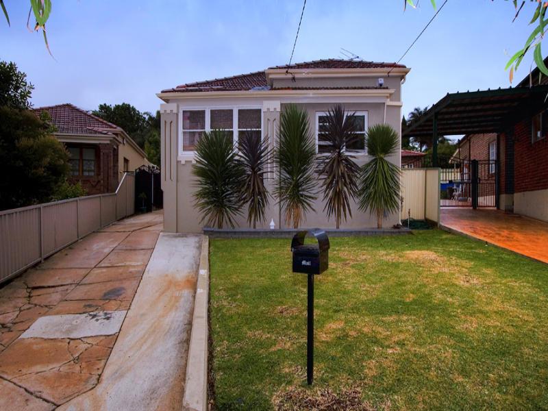22 Woodlawn Avenue, Earlwood, NSW 2206