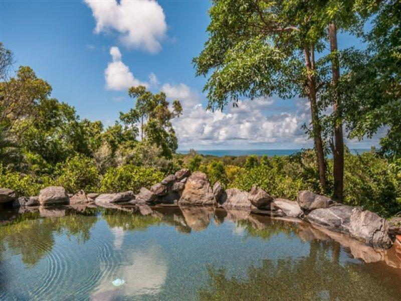 32 Reynolds Road, Oak Beach, Qld 4877