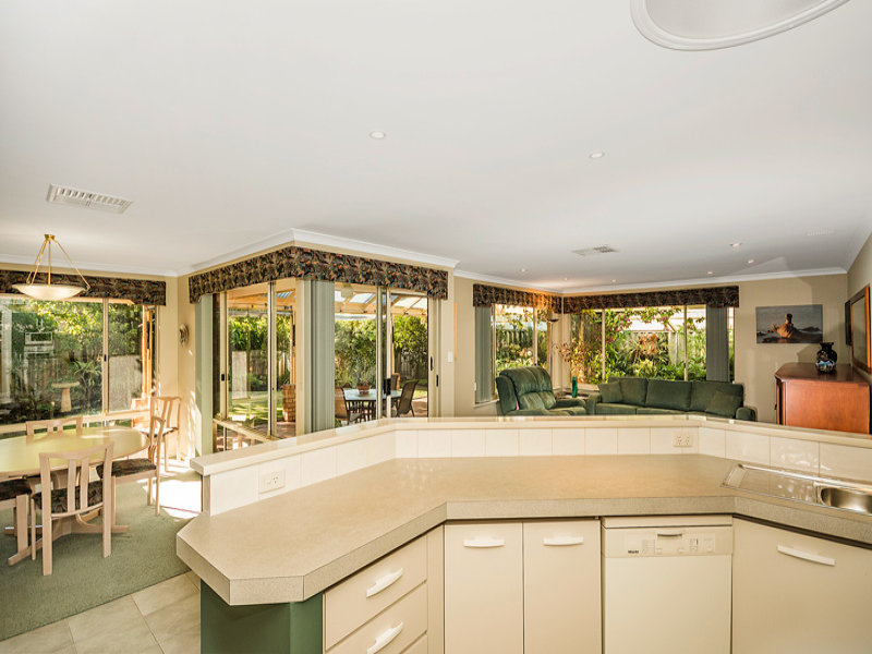Australia 39 s largest list of properties to buy or rent for E kitchens canning vale