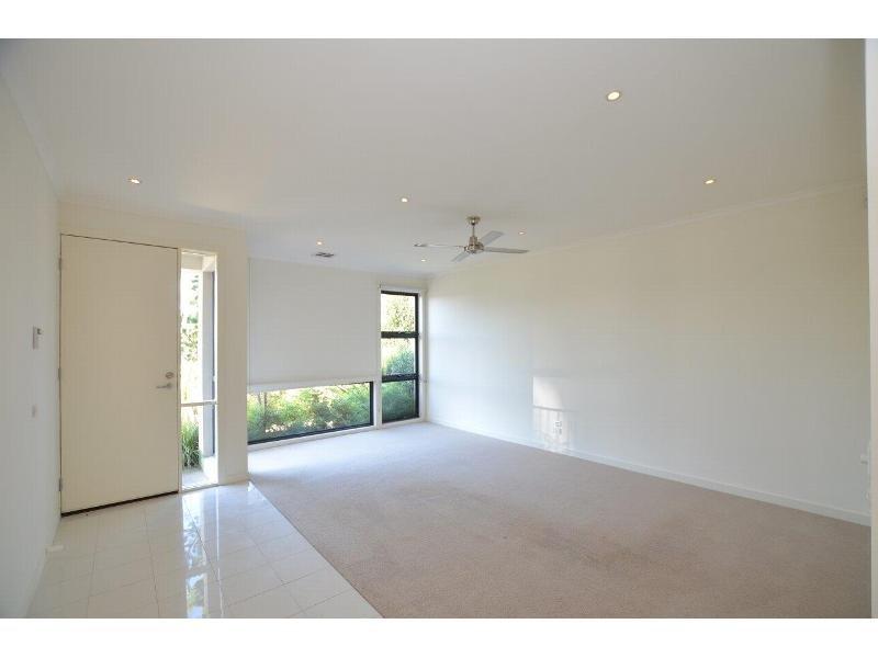 46 Mcdougall Drive, Footscray, Vic 3011
