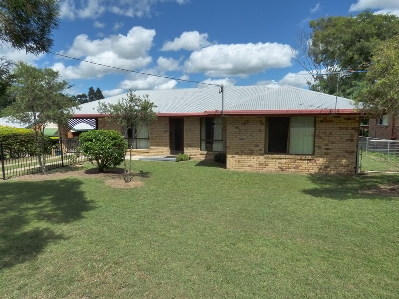 14 Dunns Ave, Harrisville, Qld 4307