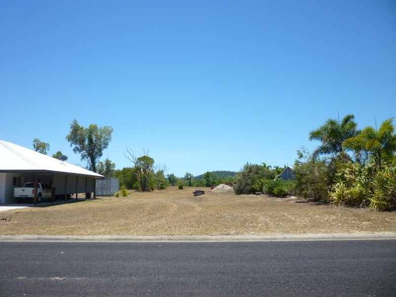 L7 Amanda Cres, Tully Heads, Qld 4854