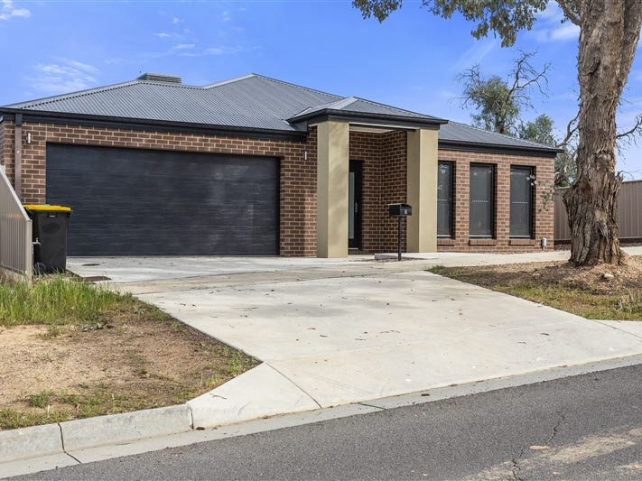 6 Stoneham Street, Golden Square, Vic 3555