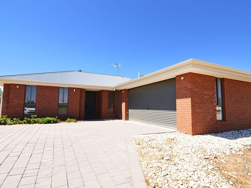 13 Tayla Court, Euston, NSW 2737