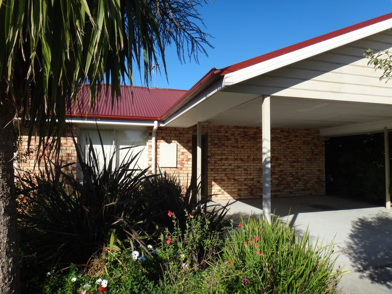 Unit 1/7 Heather Place, St Helens, Tas 7216