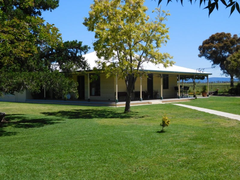 """Greenhall"", 389 Old Winton Road, Tamworth, NSW 2340"