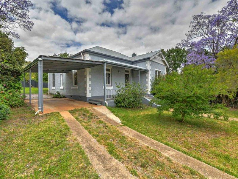 81 Roderick Street, East Tamworth, NSW 2340